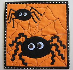 Halloween Spider quilt!  I need to make this!!