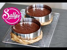 Juicy chocolate cake - ideal basis for motif cakes / Cake Basics 09 . Sweet Recipes, Cake Recipes, Ganache Cake, Baking Basics, Candy Cookies, No Bake Cake, Love Food, Chocolate Cake, Food And Drink