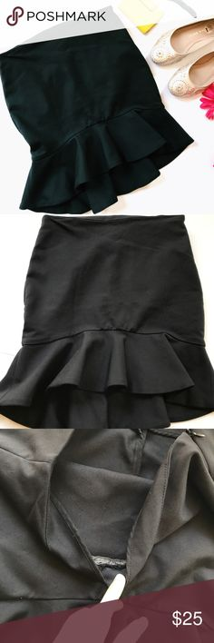 """Zara Black Mermaid Peplum Skirt Zara mermaid/peplum skirt. In very good preloved condition. The only thing wrong with it is the flap where it folds over, the sea has come undone (3rd pic) but isn't noticeable when on. Features a zipper. Kind of a high low too. All measurements are approximate and taken laying flat. Size XS. Length in front 16"""". Length in back 18.5"""". Waist 14"""". Form fitting and stretchy material. ::21 Zara Skirts Mini"""