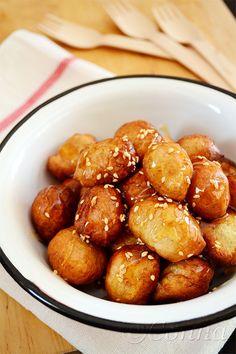 Λουκουμάδες με μέλι και σουσάμι