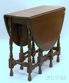 William & Mary-style Mahogany Drop-leaf Gate-leg Table