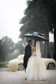 Rainy wedding day photo idea.