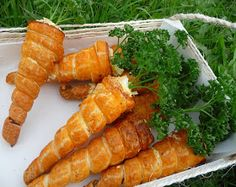 Cuillère, aiguille et scie sauteuse: Carottes feuilletées garnies Pasta, Carrots, Appetizers, Yummy Food, Dishes, Baking, Vegetables, Omelettes, Florence