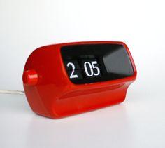 Vintage Flip Clock / Model Kienzle Red & by TheCuriousCaseShop