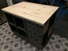 Ilot de cuisine IKEA de Valérie et Damien Kitchen Furniture Storage, Design Your Own Home, Ikea Hack, Wall Storage Diy, Staining Furniture, Ikea, Ikea Hack Storage, Diy Kitchen, Ikea Kitchen Island