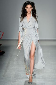 Beautiful dress. its all in the details. A.F. Vandevorst Spring 2014 Ready-to-Wear Collection Slideshow on Style.com