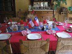 decoración chilena Dominican Independence Day, Tablescapes, Table Settings, Parties, Birthday, Ideas, Fun Games, Bicycle Kick, Fiestas
