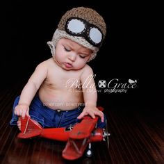 d438277c5b9 Baby Pilot Hat - Newborn Aviator Hat With Goggles - Newborn Photo Prop -  Chin…