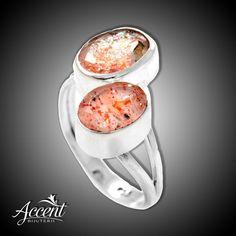 Inel elegant realizat manual din argint, frumos ornamentat cu piatra soarelui fațetată.  Cod produs: CI4937 Greutate: 4.15 gr. Lungime: 2.00 cm Lățime: 1.50 cm Circumferință inel: 55 mm Reglabil: da Aur, Rings, Ring, Jewelry Rings