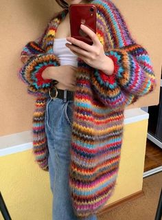 Crochet Clothes, Diy Clothes, Mohair Cardigan, Striped Cardigan, Rainbow Cardigan, Oversized Cardigan Outfit, Look Retro, Neue Outfits, Cool Outfits