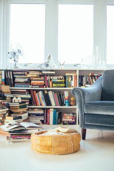 Onder welk raam zullen we de verwarming weghalen en vervangen door een boekenkast?