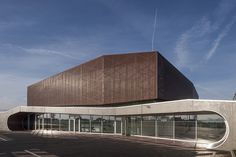 Gymnasium Plabennec / Bohuon Bertic Architectes