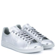 Raf Simons X Adidas Metallic Stan Smith Leather Trainers ($270) ❤ liked on Polyvore featuring shoes, sneakers, tennis sneakers, leather shoes, tennis trainer, lacing sneakers and metallic shoes