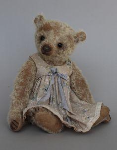 "Fenella - a sweet 10"" Humble-Crumble Bears"