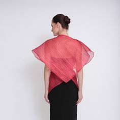 Ditta Sandico is a visionary fashion designer that embraces an ecological-friendly design and sustainable production process. Modern Filipiniana Dress, Closets, Philippines, Feminine, Womens Fashion, How To Wear, Fashion Design, Armoires, Women's