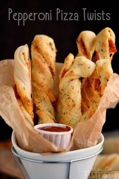 Pepperoni Pizza Twists Perfect for game day celebrations or a fun, kid-friendly dinner, these Pepperoni Pizza Twists are guaranteed to become a new family favorite! Pizza Recipes, Appetizer Recipes, Cooking Recipes, Dinner Recipes, Crowd Appetizers, Party Recipes, Game Day Recipes, Game Day Appetizers, Kitchen Recipes