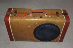 Suitcase Guitar Amplifier #OuttatheBoxGuitars  The perfect travel am.