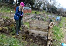 Build an Easy Wooden Compost Bin using Pallets This post contains affiliate links. for the full disclosure statement.Build an Easy Wooden Compost Bin using PalletsHow to build an Easy Wo Pallet Projects Diy Garden, Pallet Projects Signs, Garden Ideas, Wooden Compost Bin, Garden Insects, Kitchen Waste, Organic Gardening, Pallets, Composting
