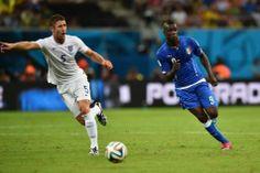 Balotelli offre à l'Italie une victoire d'entrée de jeu contre l'Angleterre (1-2) - lesoir.be