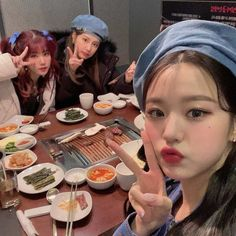 Summer Miracle — [📷] Wonyoung went to eat with Eunbi and Hyewon. Kpop Girl Groups, Korean Girl Groups, Kpop Girls, Cute Japanese Girl, Japanese Girl Group, Ulzzang, Korean Picture, Selfies, Eyes On Me