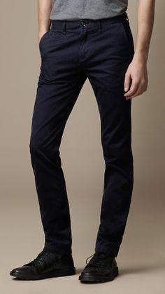 927c06d3bb6e 45 meilleures images du tableau Pants   Chinos   Chinos, Trouser ...