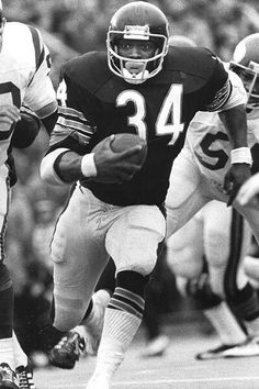 """Throw back Bear. """"Sweetness"""" Walter Payton! One of the greatest athletes of all time!"""
