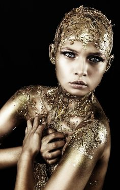 gold fashion editorial #iridescent #silver #gold #white #fur #snow #winter #holiday #party #fashion #style #eveningwear #alien #disco #space #astronaut #psychedelic #leather #plastic #pearlescent #lavender #shoes #futuristic #bright #90s #60s #1960s #smallfacts