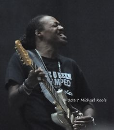 https://flic.kr/p/WBRujb | Eric Gales - 2017-07-12 | WLAV Summertime Blues. Grand Rapids, MI