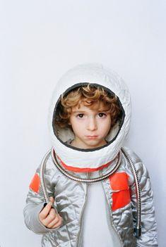astronaut fancy dress costume for a boy Boy Fashion 2018, Baby Boy Fashion, Kids Fashion, Dress Up Boxes, Kids Dress Up, Dress Up Costumes, Niece And Nephew, Halloween Kids, Carnival