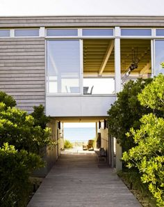 #welcometothebeach  http://mydesignstories.com/surfside-house-by-stelle-architects/