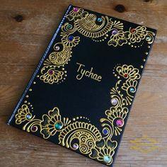 Dot Art Painting, Mandala Painting, Mandala Art, Diary Cover Design, Diary Covers, Henna Canvas, Henna Art, File Decoration Ideas, Sketchbook Cover