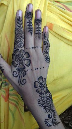 Hand Henna, Baby Food Recipes, Mehndi, Hand Tattoos, Foods, Recipes For Baby Food, Food Food, Food Items, Henna