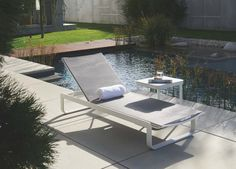 The Verona sunlounger boasts modern, sophisticated, minimalist design. This sunlounger takes advantage of durable powder coated aluminium frame and a textilene sling fit for any weather