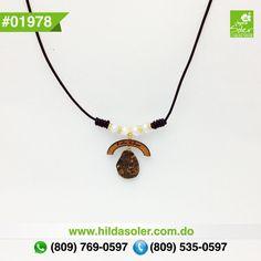 Gargantilla en piel , madera , ámbar y perlas cultivadas  RD $350 pesos