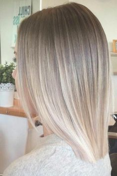 Ombre Hair Looks That Diversify Common Brown And Blonde Ombre Hair - Cabello Rubio Pretty Blonde Hair, Blond Ombre, Brown Ombre Hair, Ombre Hair Color, Short Ombre, Straight Ombre Hair, Colour Melt Hair, Short Blond Hair, Curly Hair