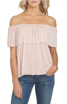 211ec6cab82d62 Main Image - Off the Shoulder Plissé Top