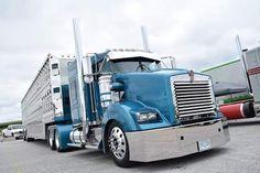 Semi Trucks, Big Trucks, Kenworth Trucks, Rigs, Old School, Diesel, How To Look Better, Buses, Farms