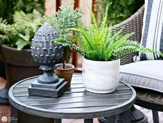 Easy patio decorating ideas patio refresh easy ideas simple outdoor deck &a Diy Mosquito Repellent, Natural Mosquito Repellant, Patio Plants, Indoor Plants, House Plants, Plants That Repel Bugs, Cool Plants, Design Hotel, Keeping Mosquitos Away