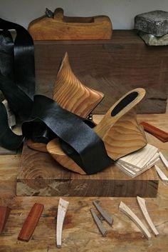 Platform shoe/wood/leather
