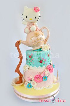 """Hello Kitty Shabby Chic Cake """"TOUGHT I SAW A PUDDY TAT! I DID I DID!""""  RP by Linda Hammerschmid"""