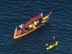 As Shell Drilling Rig Aims for Arctic, Waves of Kayaks Block the Way | Common Dreams | Breaking News & Views for the Progressive Community