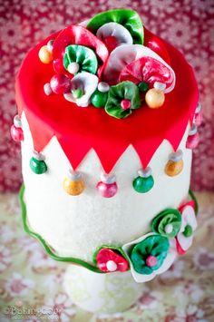 The Best Christmas Cake Recipes , Whimsical Eggnog Christmas Cake