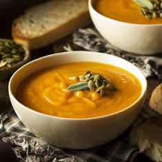 Autumn Squash Soup - Oliviers & Co. Soup Appetizers, Appetizer Recipes, Dinner Recipes, Easter Recipes, Cream Of Pumpkin Soup, Cream Soup, Bakery Shop Design, Cooking Recipes, Healthy Recipes