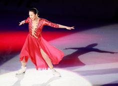 浅田真央、引退後初演技 「THE ICE」