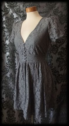 Goth Grey Lace Tiny Button BOUND BY TIME Victorian Tea Dress 6 8 Vintage Lolita