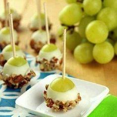 Yogurt and Granola Covered Grapes Recipe