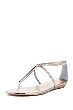 DV by Dolce Vita Apollo Sandal//