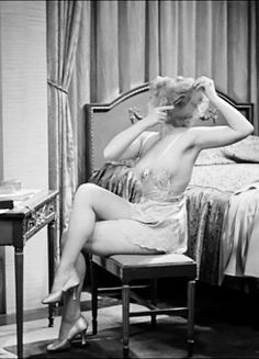 Joan Blondell in Gold Diggers of 1933 part 2...