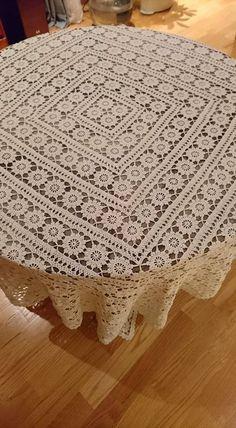 Crochet Round, Crochet Home, Filet Crochet, Hand Crochet, Tablecloth Sizes, Crochet Tablecloth, Tablecloths, Chenille Bedspread, Embroidery Patterns