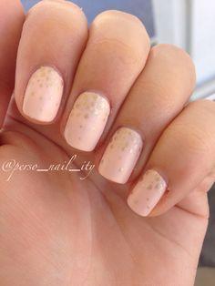 Nude pink and golden dotticure